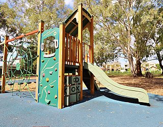 Maldon Avenue Reserve Playground Multistation 2
