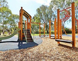 Maldon Avenue Reserve Playground Multistation 4