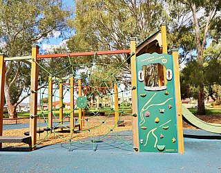 Maldon Avenue Reserve Playground Multistation 5