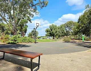Maldon Avenue Reserve Sport Basketball 2
