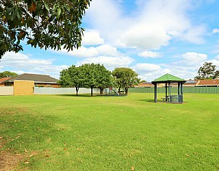 Peterson Avenue Reserve 4