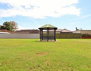 Peterson Avenue Reserve 7