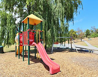 Shamrock Road Reserve Playground Multistation 1