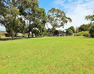 Tilley Court Reserve Grass Kickabout 2