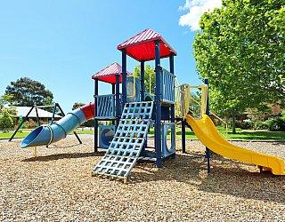 Trowbridge Avenue Reserve Playground Multistation 4
