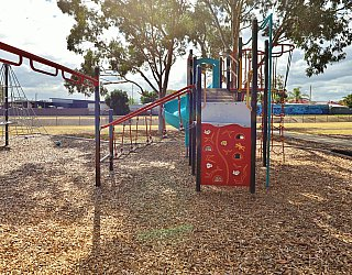 Willoughby Avenue Reserve Playground Multistation 1