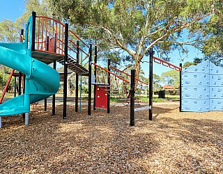 Willoughby Avenue Reserve Playground Multistation 2