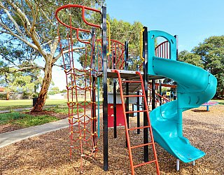 Willoughby Avenue Reserve Playground Multistation 4
