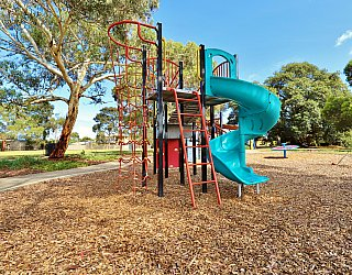 Willoughby Avenue Reserve Playground Multistation 5