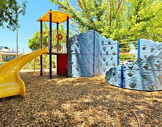 Elizabeth Ryan Reserve Playground Multistation 1
