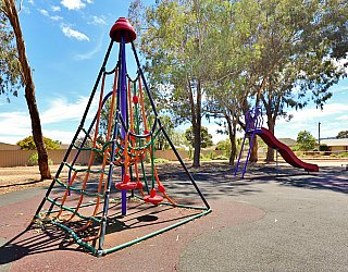 Graham Watts Reserve Playground Space Net 1