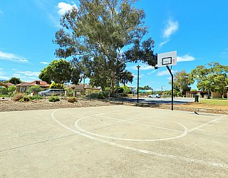 Graham Watts Reserve Sport Basketball 3
