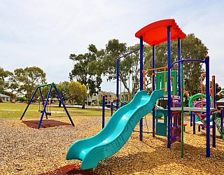 Mckay Street Reserve Playground Multistation 3