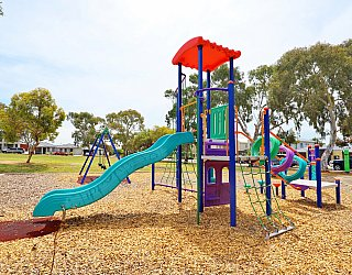 Mckay Street Reserve Playground Multistation 4