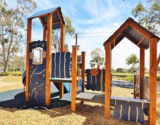 Mckellar Terrace Reserve Playground Multistation 2