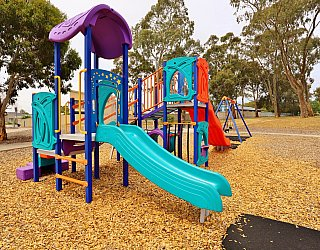 Ramsay Avenue Reserve Playground Multistation 2