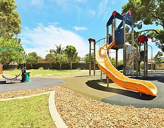 Yapinga Street Reserve Playground Multistation 5