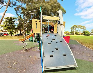 Glandore Oval Playground Multistation 2