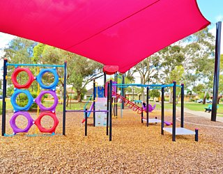 Rosslyn Street Reserve Playground Shade 1