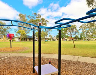Rosslyn Street Reserve Playground Shade 3