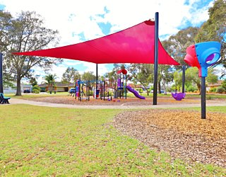 Rosslyn Street Reserve Playground Shade 5
