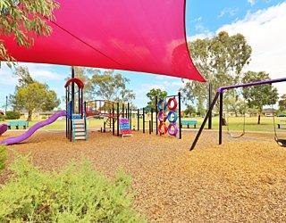 Rosslyn Street Reserve Playground Shade 6