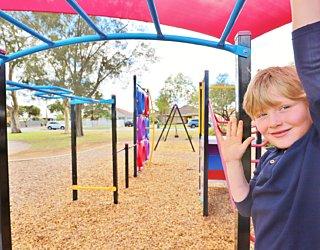 Rosslyn Street Reserve Playground Shade 6 Xb