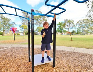 Rosslyn Street Reserve Playground Shade 7 Xb