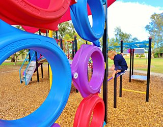 Rosslyn Street Reserve Playground Shade 9 Xb
