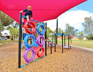 Rosslyn Street Reserve Playground Shade 16 Xb