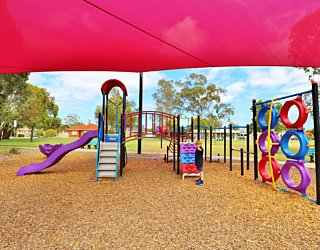 Rosslyn Street Reserve Playground Shade 19 Xb