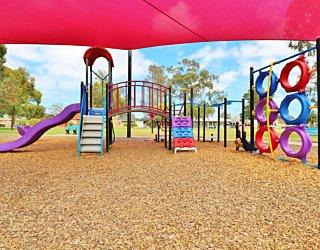 Rosslyn Street Reserve Playground Shade 20 Xb
