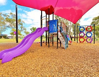 Rosslyn Street Reserve Playground Shade 21 Xb