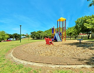 Sandy Glass Court Reserve Playground 4