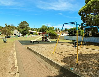 Westall Way Reserve Facilities Path 1