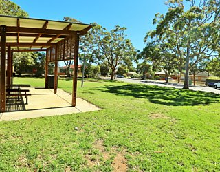 York Avenue Reserve Eastern End Facilities Picnic 2