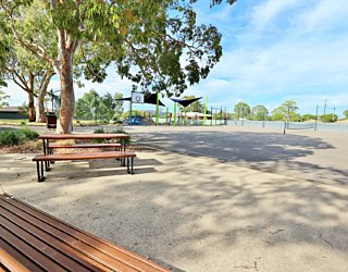 Mulcra Avenue Reserve 20190107 Facilities Picnic 2