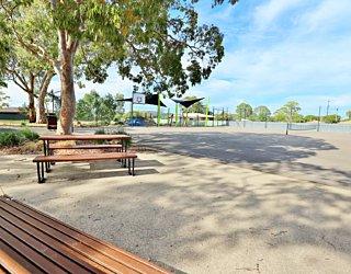 Mulcra Avenue Reserve 20190107 Facilities Picnic 2