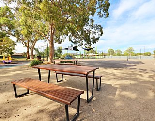 Mulcra Avenue Reserve 20190107 Facilities Picnic 3