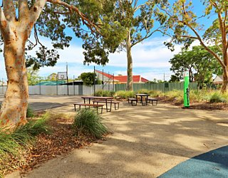 Mulcra Avenue Reserve 20190107 Facilities Picnic 4