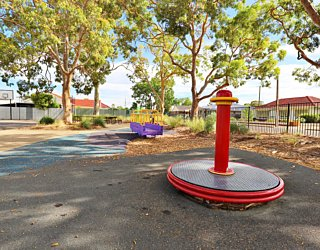 Mulcra Avenue Reserve 20190107 Playground 2