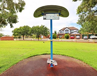 Scarborough Terrace Reserve 20190107 Fitness Equipment Station 6 Stepper Station 2