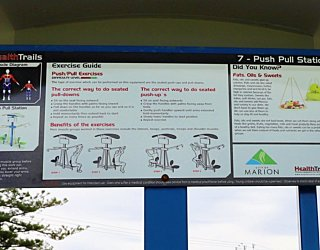 Scarborough Terrace Reserve 20190107 Fitness Equipment Station 7 Push Pull Station 3