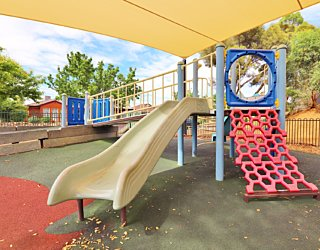 Scarborough Terrace Reserve 20190107 Playground Multistation 4