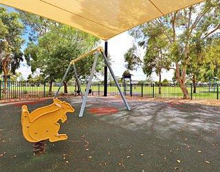 Scarborough Terrace Reserve 20190107 Playground Springer 1