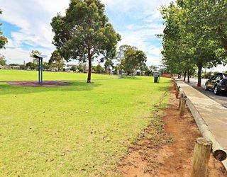Scarborough Terrace Reserve 20190107 Facilities Fence 1