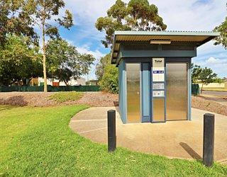 Scarborough Terrace Reserve 20190107 Facilities Toilet 3