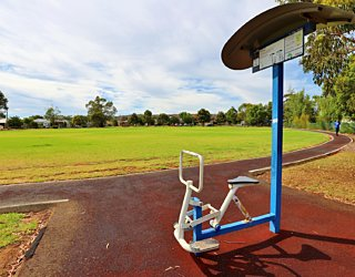 Scarborough Terrace Reserve 20190107 Fitness Equipment Station 2 Rider Station