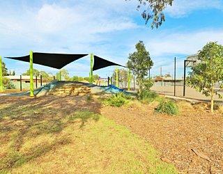 Mulcra Avenue Reserve 20190107 Playground 15