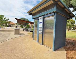 Harbrow Grove Reserve 20190107 Facilities Toilet 1